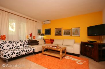 Makarska, Living room in the apartment, dopusteni kucni ljubimci i WIFI.