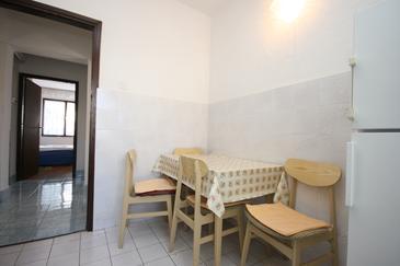 Starigrad, Dining room in the apartment, dopusteni kucni ljubimci.