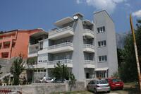 Apartments with a parking space Makarska - 6641