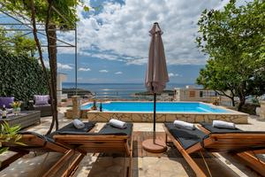 Apartments and rooms with a swimming pool Makarska - 6643
