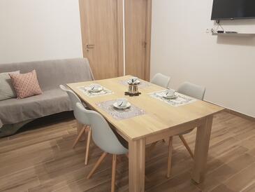 Starigrad, Jídelna v ubytování typu apartment, dostupna klima i WIFI.