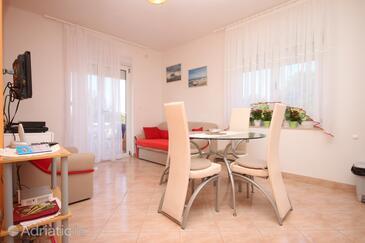 Starigrad, Dining room in the apartment, dostupna klima i WIFI.