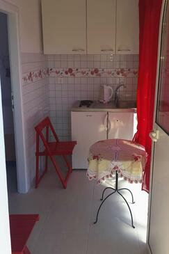 Tučepi, Kuchyňa v ubytovacej jednotke apartment, WIFI.