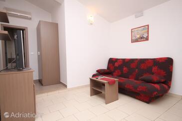 Tučepi, Living room in the apartment, dopusteni kucni ljubimci i WIFI.
