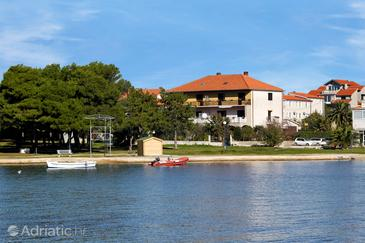 Privlaka, Zadar, Property 666 - Apartments near sea with sandy beach.