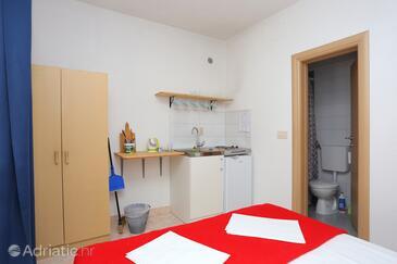 Gradac, Cuisine dans l'hébergement en type studio-apartment, WiFi.
