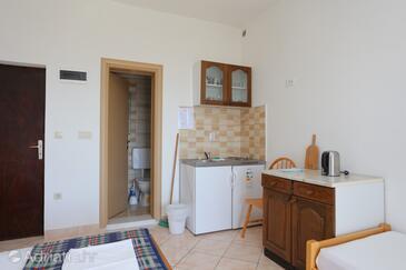 Gradac, Kitchen in the studio-apartment, WiFi.