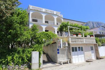 Gradac, Makarska, Hébergement 6660 - Appartements et chambres avec une plage de galets.