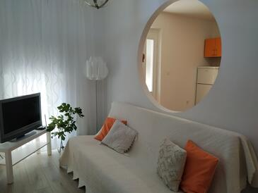 Podgora, Obývacia izba v ubytovacej jednotke apartment, dopusteni kucni ljubimci i WIFI.
