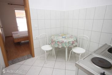 Podaca, Dining room in the apartment, (pet friendly) and WiFi.