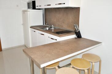 Brela, Dining room in the apartment, dopusteni kucni ljubimci i WIFI.