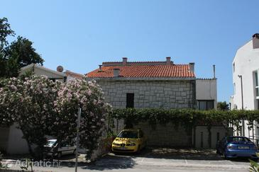 Brela, Makarska, Property 6686 - Apartments near sea with pebble beach.
