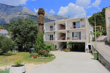 Tučepi, Makarska, Property 6695 - Apartments with pebble beach.