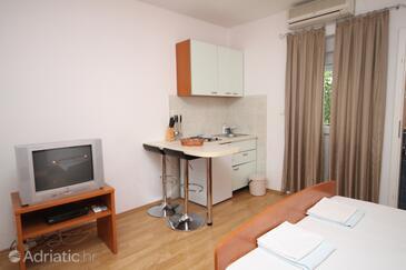 Makarska, Столовая в размещении типа studio-apartment, Домашние животные допускаются и WiFi.
