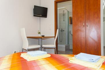 Drašnice, Столовая в размещении типа studio-apartment, WiFi.