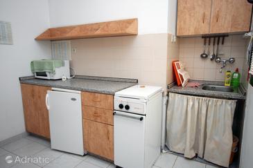 Živogošće - Blato, Kitchen in the studio-apartment, WIFI.