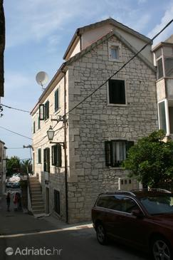 Baška Voda, Makarska, Property 6703 - Apartments near sea with pebble beach.