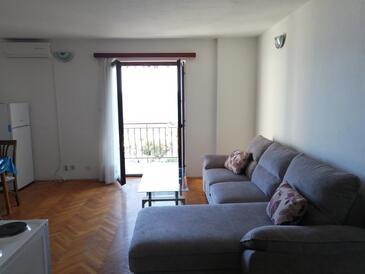 Podgora, Obývací pokoj v ubytování typu apartment, s klimatizací a domácí mazlíčci povoleni.