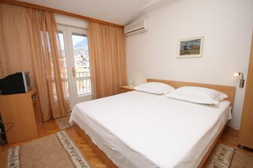 Makarska, Bedroom in the room, dostupna klima i WIFI.