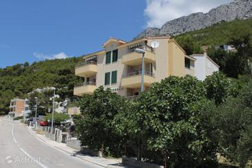 Baška Voda, Makarska, Property 6718 - Apartments near sea with pebble beach.