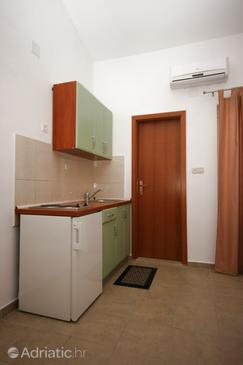 Gradac, Kitchen in the studio-apartment, WIFI.