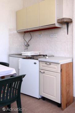 Sućuraj, Kuchyně v ubytování typu apartment, domácí mazlíčci povoleni a WiFi.