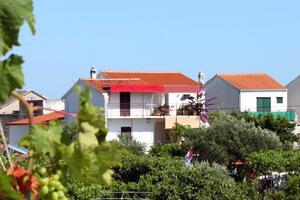 Apartments by the sea Sućuraj, Hvar - 6732
