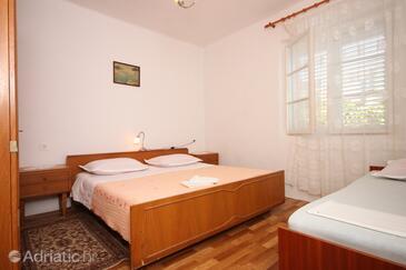 Sućuraj, Спальня в размещении типа room, Домашние животные допускаются и WiFi.