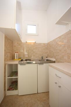 Podaca, Kitchen in the studio-apartment, WIFI.