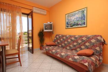 Sućuraj, Living room in the apartment, dostupna klima, dopusteni kucni ljubimci i WIFI.