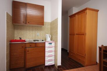 Zaostrog, Kitchen in the studio-apartment, dopusteni kucni ljubimci i WIFI.