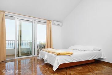 Bratuš, Living room in the apartment, dostupna klima i WIFI.