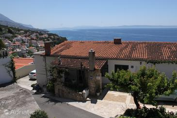 Brela, Makarska, Property 6747 - Apartments with pebble beach.