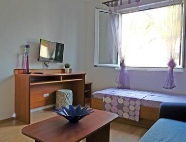Drvenik Donja vala, Living room in the apartment, WiFi.