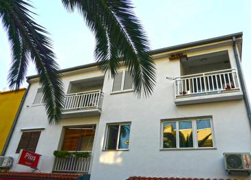 Drvenik Donja vala, Makarska, Property 6756 - Apartments near sea with pebble beach.