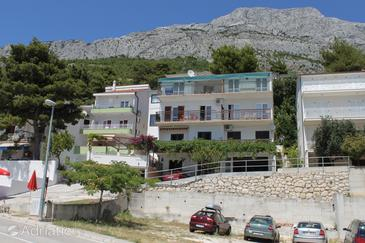 Baška Voda, Makarska, Property 6761 - Apartments with pebble beach.
