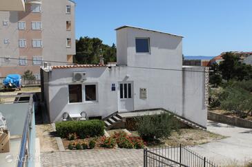 Baška Voda, Makarska, Property 6762 - Apartments with pebble beach.