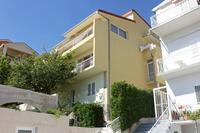 Apartments and rooms with parking space Makarska - 6767