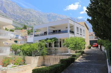 Baška Voda, Makarska, Property 6773 - Apartments with pebble beach.