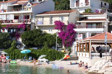 Podgora, Makarska, Objekt 6787 - Apartmaji v bližini morja s prodnato plažo.
