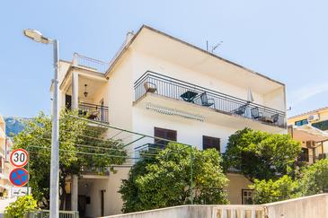 Podgora, Makarska, Hébergement 6789 - Appartement à proximité de la mer avec une plage de galets.