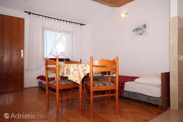 Podgora, Dining room in the apartment, dostupna klima, dopusteni kucni ljubimci i WIFI.