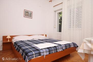Podgora, Спальня в размещении типа room, доступный кондиционер, Домашние животные допускаются и WiFi.