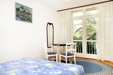 Makarska, Dining room in the studio-apartment, dopusteni kucni ljubimci.