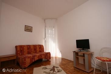 Živogošće - Blato, Living room in the apartment, air condition available and WiFi.