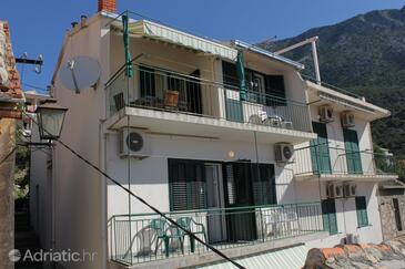 Igrane, Makarska, Объект 6802 - Апартаменты вблизи моря с галечным пляжем.