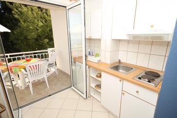 Živogošće - Porat, Kuchnia w zakwaterowaniu typu studio-apartment, WIFI.