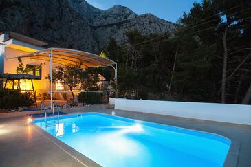 Kotišina, Makarska, Property 6809 - Vacation Rentals with pebble beach.
