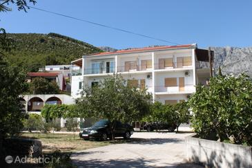 Zaostrog, Makarska, Property 6823 - Apartments near sea with rocky beach.