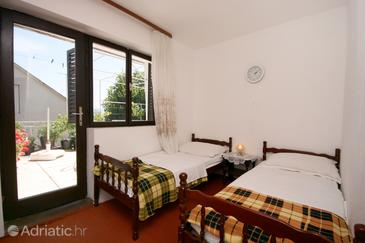 Podaca, Bedroom in the room, (pet friendly) and WiFi.